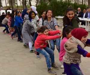 Suriyeli Yetim Çocuklar Doyasıya Eğlendi
