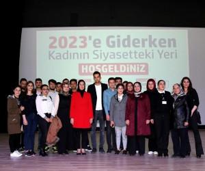 Beyşehir'de 'Kadının Siyasetteki Yeri' konuşuldu