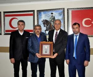 Voleybol Federasyon Başkanı Üstündağ ve Nazilli Belediye Başkanı Alıcık birlikte maç izledi