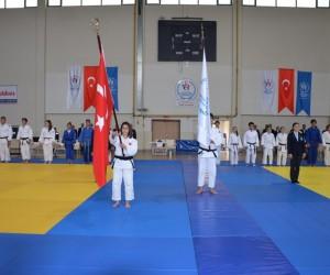 Gençler Judo Grup Şampiyonası heyecanı