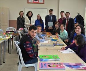 Biga'da 'Engelsiz Eğitim Atölyesi' başladı