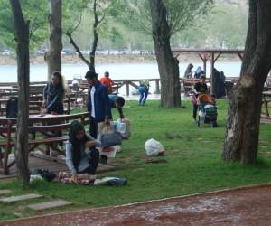 Vatandaşlar Turgut Özal Tabiat Parkı'na akın etti
