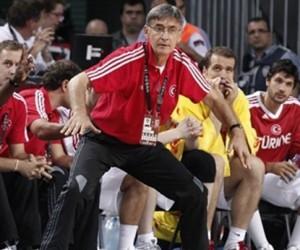 """Bogdan Tanjevic: """"EuroLeague, FIBA 2019 Dünya Kupası Elemeleri için yer açmalı"""""""