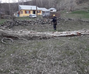 Fırtınalı Havada Yüksek Gerilim Hattındaki Elektrik Arızası Giderildi.