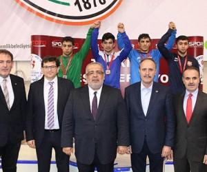 Şekersporlu Güreşçi Gençler Türkiye Şampiyonu oldu
