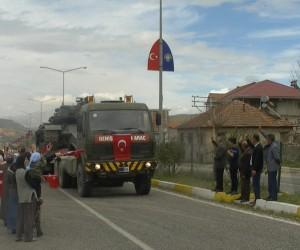 Sınıra zırhlı araç sevkıyatı