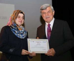 Aile Okulu'ndan  mezun olan 600 kursiyere  sertifika verildi