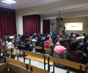 Safranbolu'da öğrencilerin sinema keyfi