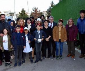 Azerbaycanlı şehitlerin çocuklarından Aliağa ziyareti