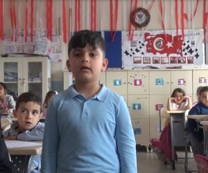 7 yaşındaki Iraklı Fahat Halit, İstiklal Marşı'nın 10 katısını ezbere biliyor