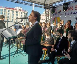 Van'da açık havada sanat müziği konseri