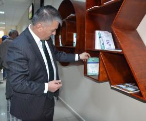 Vali Yazıcı, Kütüphane haftasını kutladı