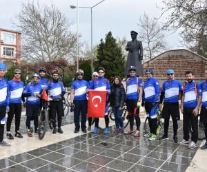 'Bisiklet Hayattır' Grubu Çanakkale'de Manisa'yı temsil etti