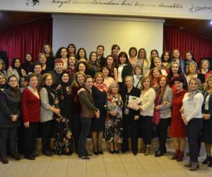 'Geçmişten Günümüze Göç Ve Kadın' toplantısına yoğun ilgi