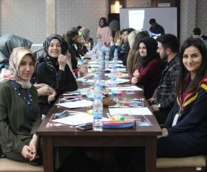 Öğretmen ve öğrencilere 'Psikolojik Travmaya Yaklaşım ve Müdahale Yöntemleri'  eğitimi verildi