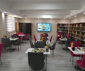 Yıldızeli'nde 'Kitap Cafe' açıldı