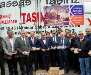 Manisa'dan Mehmetçiğe 50 bin paket üzüm, 50 bin paket leblebi