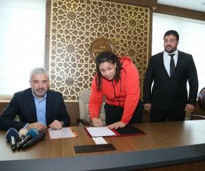 Milli Judocu Kayra Sayit, Ordu Büyükşehir Belediyespor'a transfer oldu