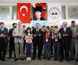 Tübitak'ta yarışan ortaokul öğrencilerinin projeleri ERÜ'de görücüye çıktı