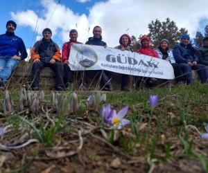 Gümüşhaneli dağcılardan bahar mevsimindeki ilk yürüyüş Ünlüpınar Beldesine