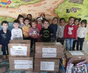 Bursa'dan Silopili öğrencilere oyuncak yardımı