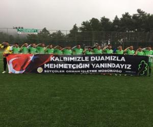 Yeşil sahada asker selamlı Mehmetçik duyarlılığı