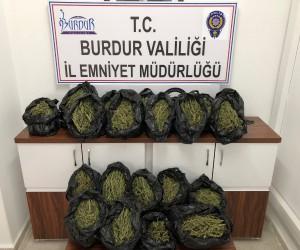 Burdur Emniyet Müdürlüğü'nden uyuşturucu operasyonu