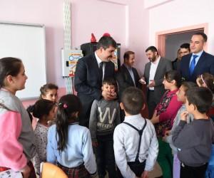 Başkan Asya, Prof. Dr. Vahit Özmen İlkokulunu ziyaret etti