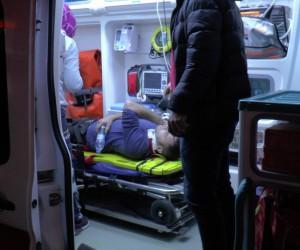 Taksinin çarptığı otomobil takla atarak hurdaya döndü: 2 yaralı
