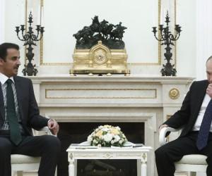 Putin ve Katar Emiri Moskova'da bir araya geldi