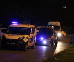 Kartal'da laf atma kavgası kanlı bitti: 2 yaralı