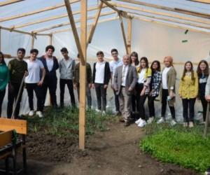 İnegöl'de öğrencilerin toprak aşkı
