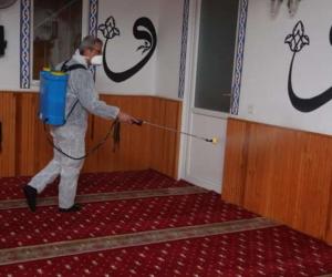 İnegöl'de Cuma namazı öncesi camiler dezenfekte edildi