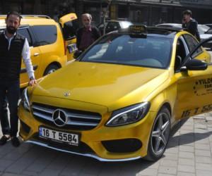 İnegöl sokaklarında son model taksi