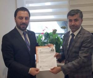 Erdin Topal, Milletvekilliği aday adaylığı için başvuruyu yaptı