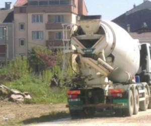 Vatandaş beton mikserlerinden rahatsız