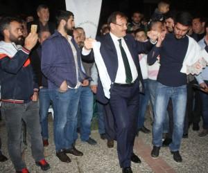 Çavuşoğlu, asker uğurlama törenine katıldı