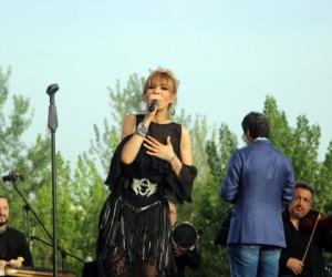 Gülben Ergen'den Bursa'da konser