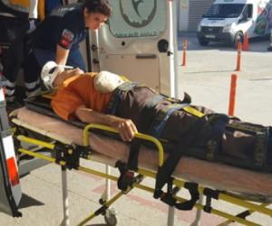 Alanyurt Yolu'nda Kaza; 2 yaralı