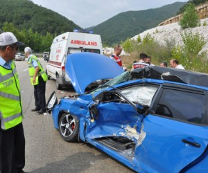 Mezitlerde kaza 1 ölü 8 yaralı