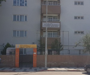 İnegöl'deki Kız Anadolu İmam Hatip Lisesi Yıkılıyor