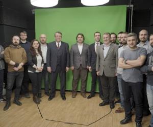 Açıköğretim Sisteminde yeşil perdeli videolar