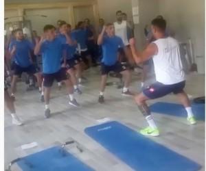 Tokatspor'da futbolculardan Haka dansı