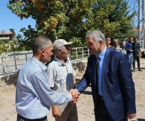 Başkan Mustafa Çelik, Buğdaylı'da ay çekirdeği üretici ve esnaflarını ziyaret etti
