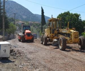 Döşemealtı Akkoç yolu asfalta hazırlanıyor