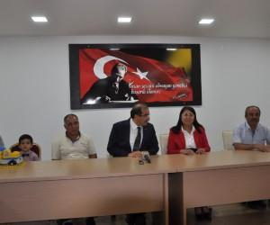 Samsunlu şehit ailelerinden Uşak Valisi Salim Demir'e anlamlı ziyaret