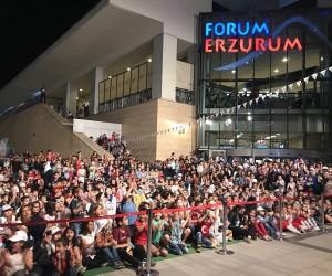 Forum Erzurum'da düzenlenen Rafadan Tayfa müzikalinde çocuklar çok eğlendi