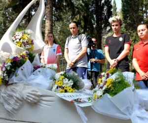 Turnuva öncesinde Özgecan Aslan'ın kabri ziyaret edildi