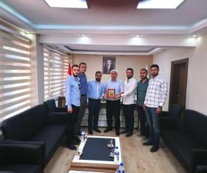 Genç MÜSİAD ve MTTB Malatya Şubesinden Şener'e teşekkür plaketi