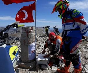 Motokros şampiyonu Uludağ'a tırmandı